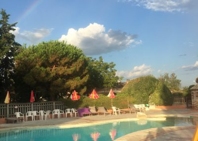 piscine arc en ciel